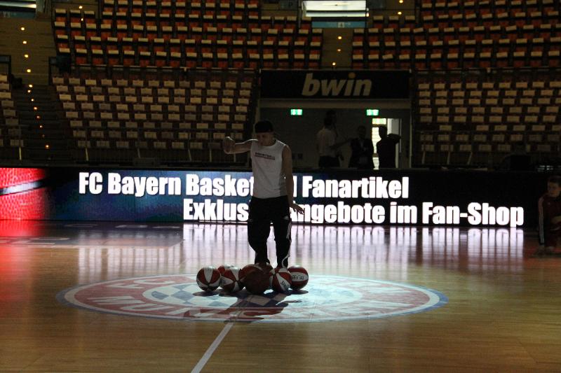 www.ballhalter.com