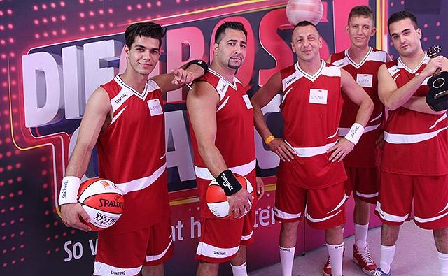 1059_spalding-breakball-team_az1_sl01